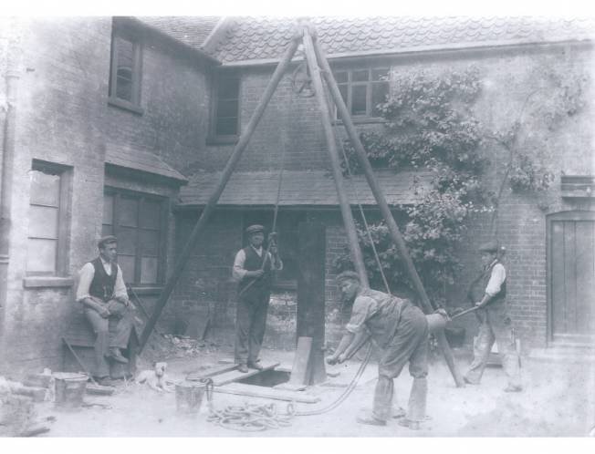 Borehole drilling in the 1930s